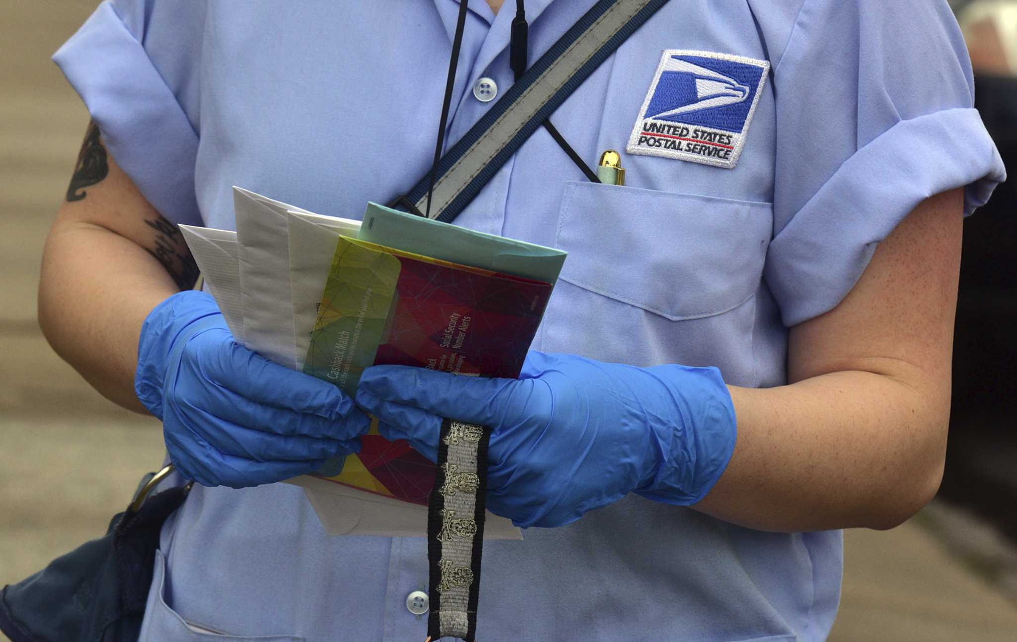 Trump administration considers leveraging emergency coronavirus loan to force Postal Service changes