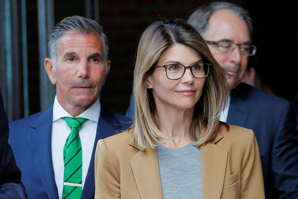 Lori Loughlin Get 2 month Prison in College Admissions scandal