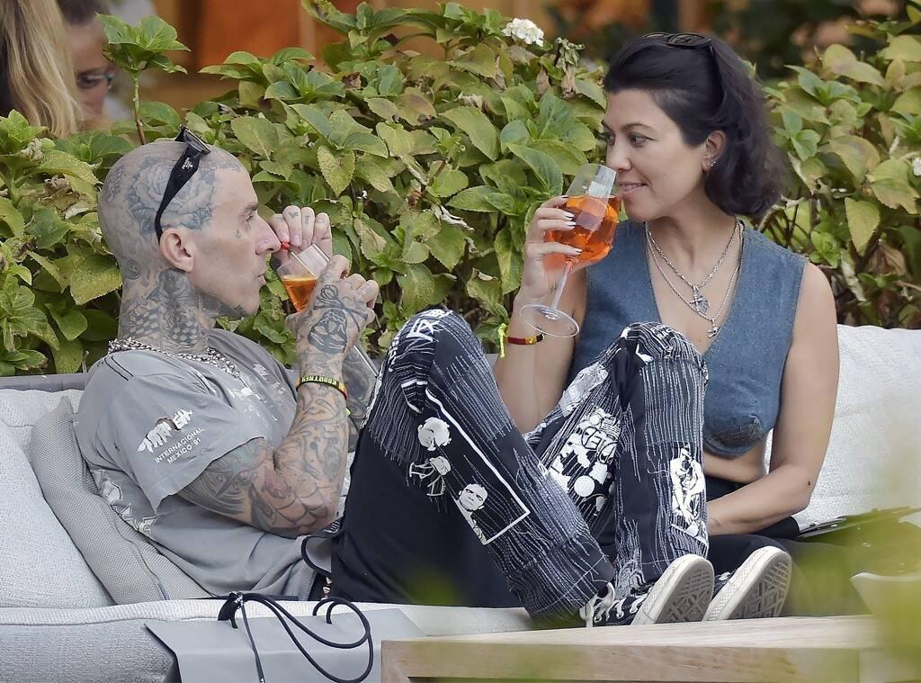Travis barker and Kourtney Kardashian shine in Dolce & Gabbana in Italy